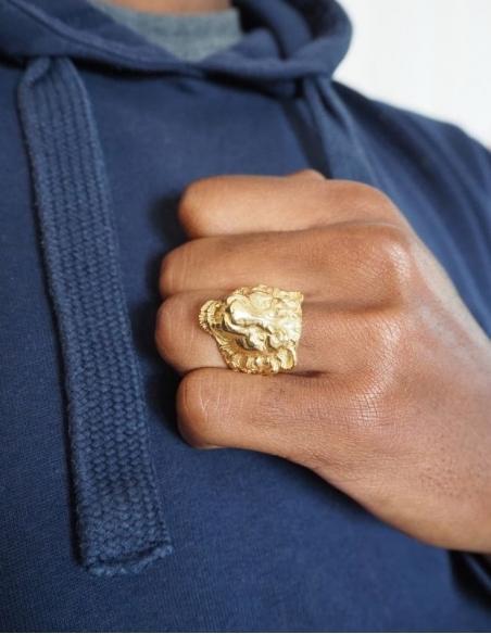 Chevalière lion en or