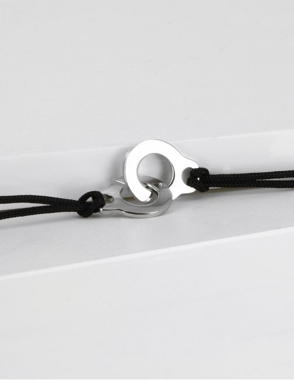 Bracelet menotte sur cordon