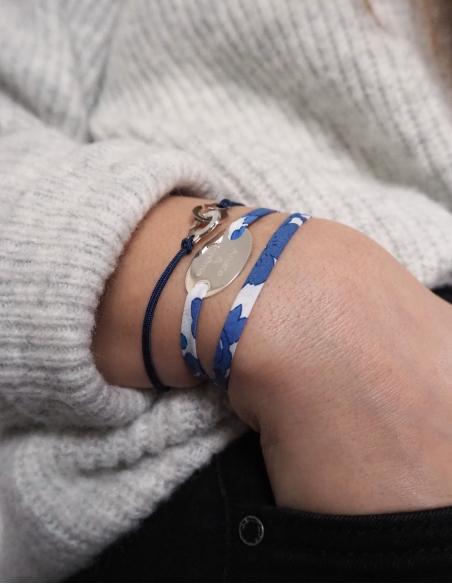 Bracelet avec cordon
